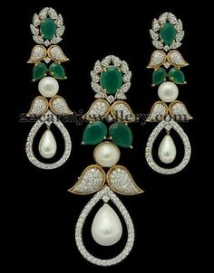 Jewellery Designs: Fancy Diamond Emerald Pendant Set