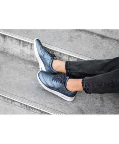 the latest 89071 cef9f Buy the latest fashion Nike Air Max Thea SE Metallic Armory Navy Summit  White Midnight Navy Women s Shoes to enjoy the Cheapest price.