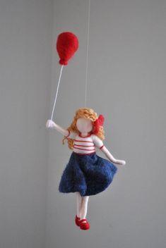 Girl room decoration needle felted wall hanging doll: M-Mädchen Zimmer Dekoration Nadel gefilzt Wandbehang Puppe : Mädchen mit roten Ballon Girls room decoration needle felted wall hanging doll: - Wool Dolls, Felt Dolls, Needle Felted Animals, Needle Felting, Red Balloon, Balloons, Flying Balloon, Felt Wall Hanging, Felt Fairy