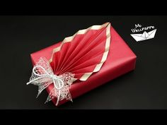 Simple Gift Wrapping - New Ideas Creative Gift Wrapping, Creative Gifts, Easter Crafts, Christmas Crafts, Origami Heart, Egg Holder, Pop Up Cards, Simple Gifts, Valentine Day Gifts