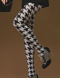 Large print houndstooth tights- I would soooo wear these if I still wore dresses!