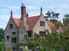 Hindringham Hall, Hindringham, Norfolk by Alex Noel-Tod, via Geograph