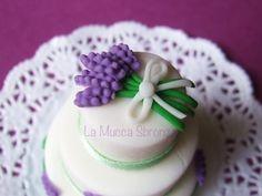 http://lamuccasbronza.blogspot.com  mini cake