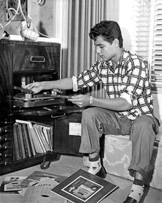 Sal Mineo Rock N Roll Music, Rock And Roll, Jazz, Music Machine, 50s Rockabilly, Old School Music, Cinema Film, Record Players, Vintage Vinyl Records