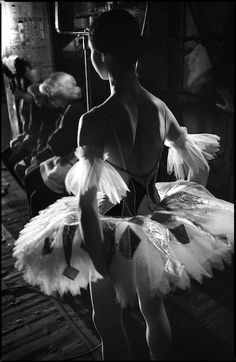 Irina Tsymbal, backstage. The Lithuanian ballet. Photo by Louis Guillaume