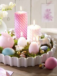 Osternest mit Eierkerzen Easter Projects, Easter Crafts, Easter Dyi, Easter Candle, Easter Ideas, Easter Dinner, Easter Party, Easter Table Decorations, Easter Centerpiece