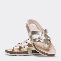 http://www.zarahome.com/es/homewear-%26-shoes/mujer/calzado/sandalia-metalizada-c1293876p7383578.html