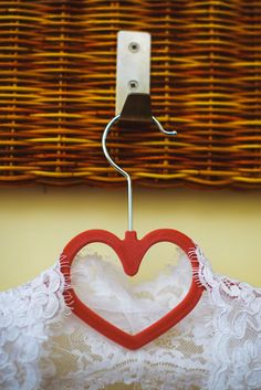 Вешалка для свадебного платья в виде сердечка / Bridal Hanger heart shaped