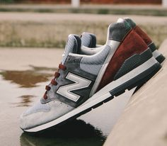 New Balance 996 – Grey / Burgundy