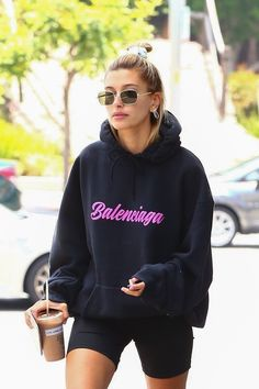 - Women's style: Patterns of sustainability Img Models, Hailey Baldwin Style, Streetwear, Summer Outfits, Cute Outfits, Models Off Duty, Fashion Killa, Fashion Outfits, Womens Fashion