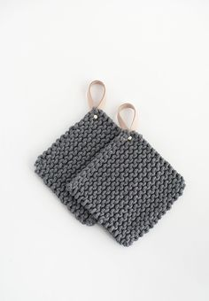 DIY Knit Pot Holder with Leather Handle Tutorial