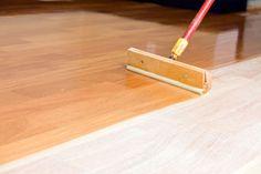How to Apply Polyurethane for Floors Best Engineered Wood Flooring, Unfinished Hardwood Flooring, Flooring Cost, Refinishing Hardwood Floors, Diy Flooring, Unfinished Wood, Wooden Flooring, Floor Refinishing, Laminate Flooring