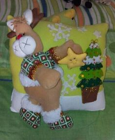Diy And Crafts, Snoopy, Pillows, Christmas, Character, Molde, Throw Pillows, Xmas, Scrappy Quilts