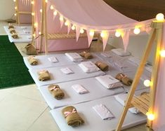 New in São Paulo for pajama party! The tents arrived for the joy of the children. It accommodates 4 to 12 children comfortably. Slumber Party Birthday, Sleepover Birthday Parties, Girl Sleepover, Pamper Party, Spa Party, Pyjamas Party, Teepee Party, Teepees, Bonfire Ideas