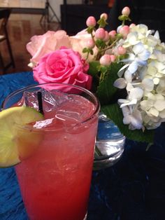 "Miranda Lambert's ""Randa-rita"" Recipe: Ice, Sprite Zero, Crystal Light, Any Flavor (Miranda uses Raspberry Lemonade) and Bacardi Rum Mix two parts Crystal Light with one part Bacardi Rum and add a splash of Sprite Zero. Serve over ice."