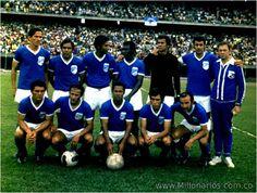 Millonarios-futbol.red Futbol Red, Soccer, America, Retro, The World, World Championship, Hs Football, Futbol, Rustic