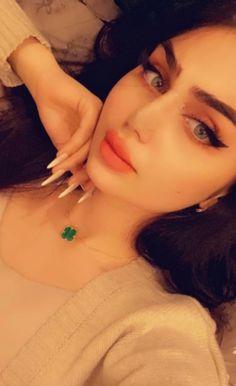 Arab Girls Hijab, Girl Hijab, Girl Face, Drop Earrings, Beautiful, Fashion, Moda, Fashion Styles, Drop Earring