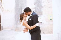 wedding/couple/love/white/kiss
