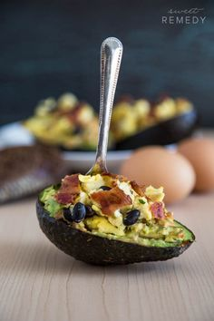 Avocado + Hummus Breakfast Bowls by sweet-remedy #Avocado #Hummus #Healthy