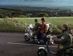 Scooter Garage, Fred Perry Polo Shirts, Retro Scooter, Fishtail Parka, The Best Films, Mod Fashion, Desert Boots, Vespa, Rock N Roll