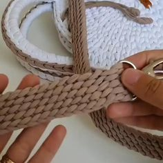 "Perfect strap for your crochet bag, don't you think? 💝💝💝, 👉 If you liked this tip say ""LIKE"" in the comments ! ⠀ ❤It helps us to know what to post here for you ! 😍 ⠀ ⠀ ⚠Before scrolling the screen GIVE YOUR. Crochet Belt, Crochet Basket Pattern, Crochet Diy, Crochet Motifs, Crochet Stitches Patterns, Tunisian Crochet, Crochet Crafts, Crochet Projects, Beginner Crochet"