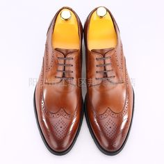 I is a set of design and production as one of the shoe manufacturing enterprises, specializing in high-end European and American business leather men's shoes design and production of the manufacturers, retail, wholesale, leather shoes are Handmade are exported to Europe and the United States, we look forward to cooperating with you  WeChat:13709677016 http://chaoweichina.1688.com