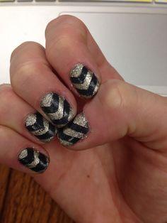 #nails #chevron #glitter #nailart