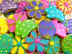 Easter cookies Repinned By:#TheCookieCutterCompany