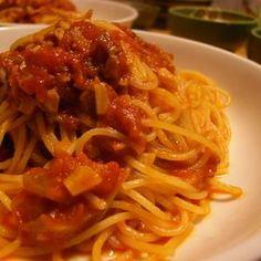 門外不出のトマトパスタ! ・ベーコンが無かったので塩、コンソメを多めに入れた ・ワインは料理酒で代用