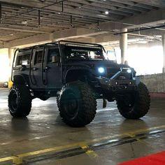 Jeep Suv, Jeep Cars, Jeep Truck, Chevy Trucks, Tundra Truck, Hors Route, Jeep Photos, Badass Jeep, Custom Jeep