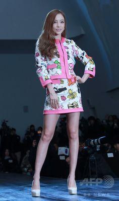 韓国・ソウルのドレスガーデンで行われた、KBSによる新バラエティ番組「A Style For You」の制作発表会に臨む、アイドルグループ「KARA」のハラ(2015年3月25日撮影)。(c)STARNEWS ▼30Mar2015AFP ヒチョルやハラ、バラエティ番組の制作発表会に出席 ソウル http://www.afpbb.com/articles/-/3044056 #카라 #KARA คารา #구하라 #具荷拉 #Gu_Hara #Goo_Hara คู ฮา-รา #ク_ハラ