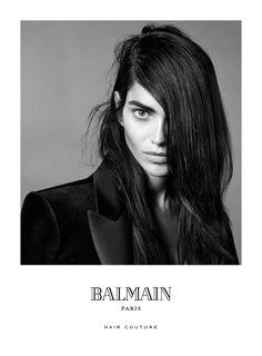 Amanda Wellsh para Balmain Hair Couture (Foto: Reprodução)