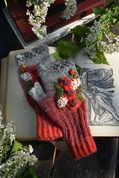 Red gray knitted fingerless mittens with flowers embroidery handmade gift Floral embroidered fingerless gloves for women Loom Knitting Patterns, Knitting Stitches, Free Knitting, Knitting Tutorials, Hat Patterns, Stitch Patterns, Crochet Patterns, Handmade Toys, Handmade Ideas