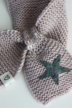 knit star scarf by Dronning Maud