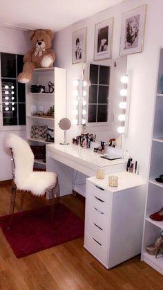 Minimalistic Room, Makeup Room Diy, Diy Makeup, Makeup Desk, Makeup Storage, Face Makeup, Room Ideas Bedroom, Bedroom Desk, Bedroom Corner