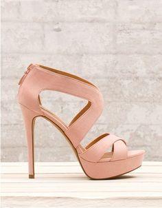 zapato-stradivarius-beige