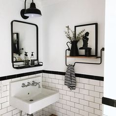 47 Inspiring White Tile Bathroom Design Ideas - Finding your feet in interior design can be difficult. One thing is always the new something or other. But, by the time you get your bearings trends h. Black Tile Bathrooms, Black And White Tiles Bathroom, White Bathroom Decor, Bathroom Tile Designs, Upstairs Bathrooms, Simple Bathroom, Bathroom Interior Design, Modern Bathroom, Master Bathroom