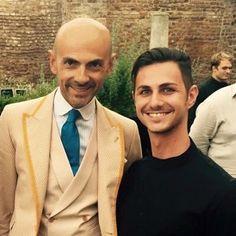 """Ogni volta che incontro Enzo Miccio ho sempre paura che mi dica """"Ma come ti vesti!"""" Invece mi fa sempre ridere con la sua grandissima simpatia. Anzi v'invito ad andare a vedere l sua ultima sfilata di abiti da sposi semplicemente magnifica! @enzo_miccio #enzomiccio #wedding #runway #sfilata #top #sposi #fashionblogger"""