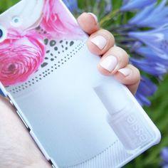 Selbst gestaltetes Case von @lack_pinseline auf Instagram. Design your own case here >> http://deindesign.com/de/design-your-own    #deindesign #designcase #dd #handycase #handycover #handyhuelle #smartphone #iphone #phonecase #case #cover #huelle #bag #tasche #floral #flower #blume #nails
