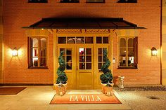 A very warm welcome Gazebo, Outdoor Structures, Windows, Warm, Explore, Style, Mariage, Swag, Stylus