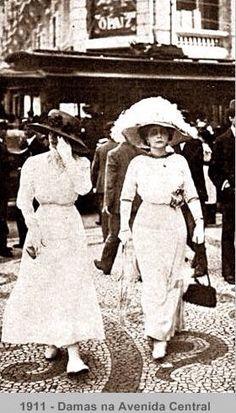 Ladies in Rio de Janeiro, Brazil, 1911.