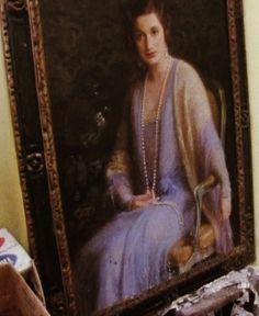 Big Edie's portrait by Albert Herter Edie Bouvier Beale, Edie Beale, Edith Bouvier, Jackie O's, Gray Gardens, People Of Interest, Pink Scarves, Autumn Garden, Twin Sisters