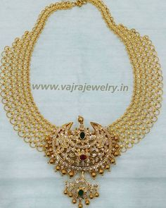 Broad Gold Chain With Diamond Pendant photo fashionjewelleryonline Gold Earrings Designs, Gold Jewellery Design, Bead Jewellery, Handmade Jewellery, Necklace Designs, Earrings Handmade, Art Nouveau, Gold Jewelry Simple, Silver Jewelry
