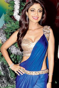 Shilpa Shetty shows of her curves on sets of 'Nach Baliye' Bollywood Actress Hot Photos, Indian Actress Hot Pics, Beautiful Bollywood Actress, Most Beautiful Indian Actress, Indian Actresses, Indian Bollywood, Bollywood Fashion, Bollywood Saree, Shilpa Shetty Saree