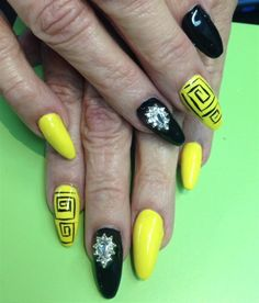 Day 235: Circles and Squares Nail Art - - NAILS Magazine