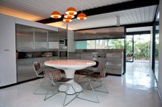 Case Study House #21 / Bailey House / Pierre Koenig / 1958 / Included in 2013 on US's National Register of Historic Places.1