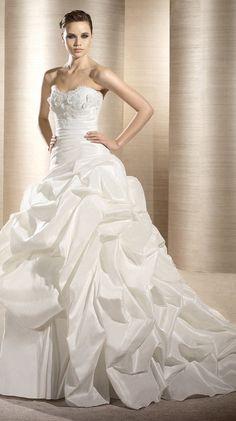 OMAN / Bridal Gowns / 2012 Collection / Avenue Diagonal