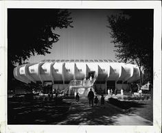 Brookfield Zoo--Seven Seas in the 1960s. Totally remember this building in the early 1980s.