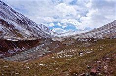 Road to Kyrgyzstan-Tajikistan border trueworldtravels.com