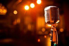 SALAH satu Maetro Jazz Indonesia, Idang Rasjidi bakal meramaikan program Jazzelasa yang digelar selasa (20/2) ini di Rumah Kopi Dangas, Batam.  Idang bakal tampil bersama Director Warta Jazz - Agus S. Basuni, Founder Geliga Band -